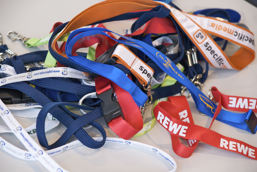 Top 5 Reasons To Use Custom Branded Lanyards At Corporate